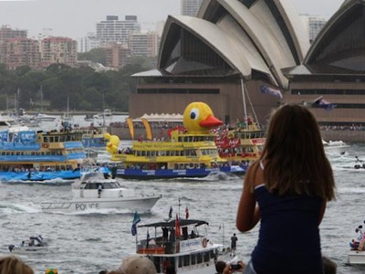 Ferry Race Inflatable Duck
